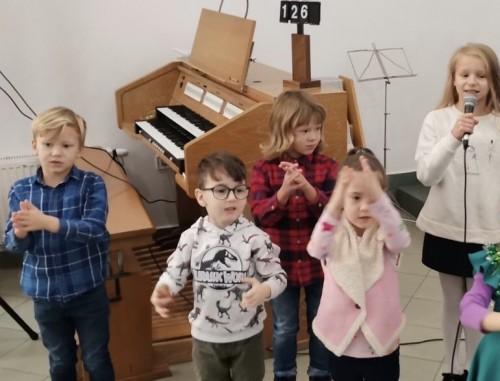 дети выступление 02